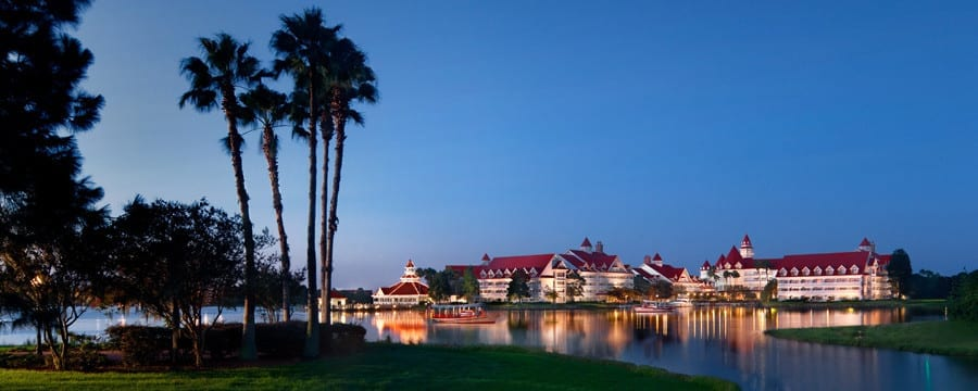 Alligator attack at the Grand Floridian