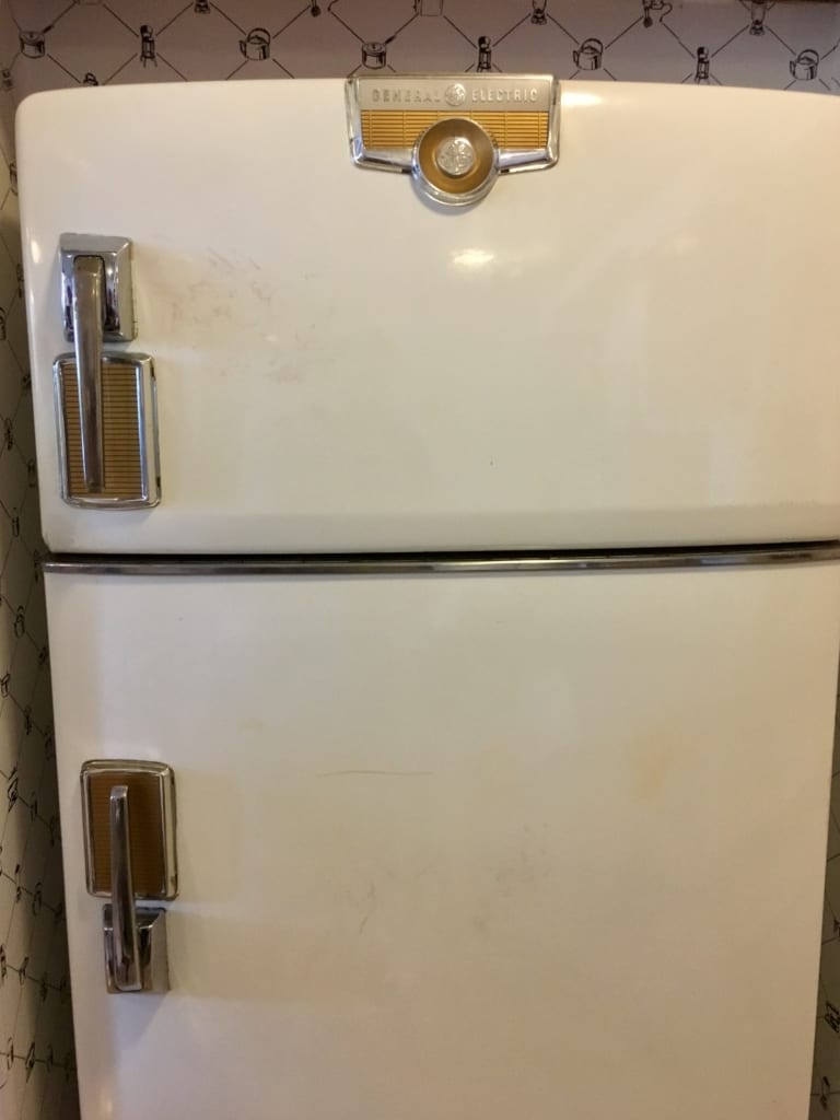 50s Prime Time Cafe Review fridge