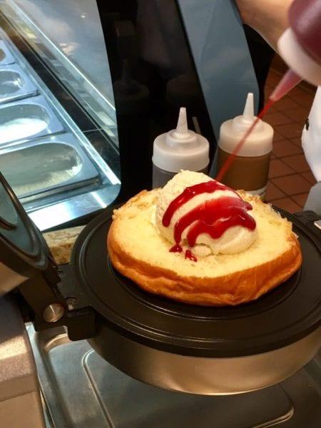 L'Artisan des Glaces Review brioche ice cream sandwich adding sauce