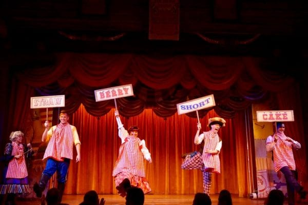 Hoop Dee Doo Musical Revue Full Review Show show dance strawberry shortcake dance 2