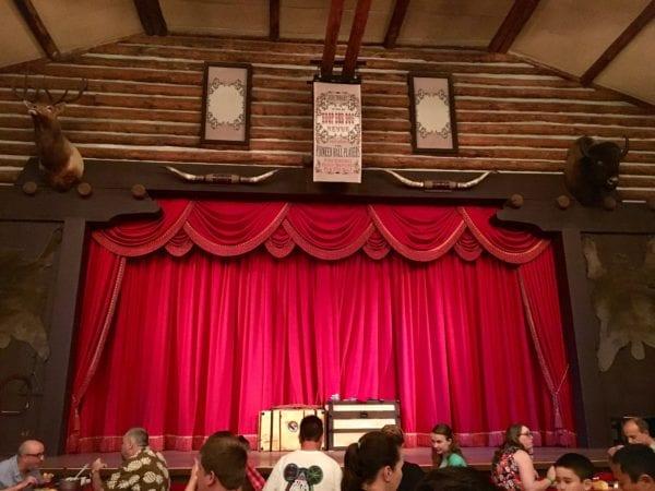 Hoop Dee Doo Musical Revue Stage
