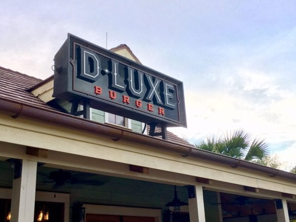 D-Luxe Burger Outside Front Sign