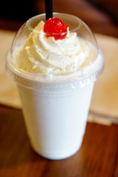 D-Luxe Burger Review Vanilla Milkshake