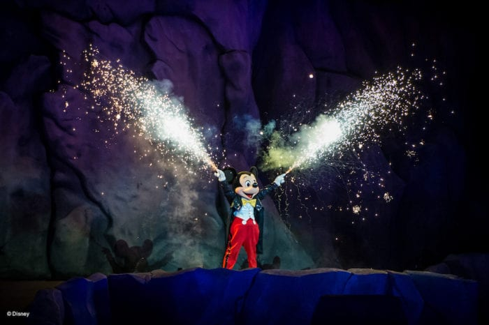 Fantasmic 2.0 Review mickey mouse