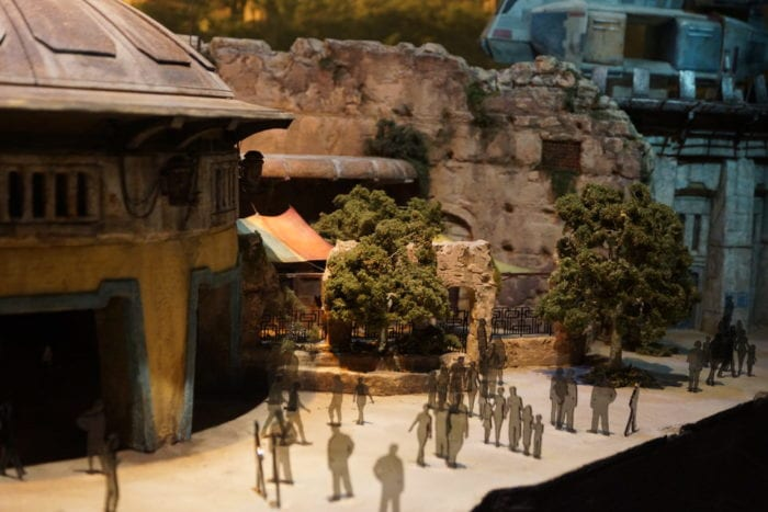 New Star Wars Galaxy's Edge Model people walking