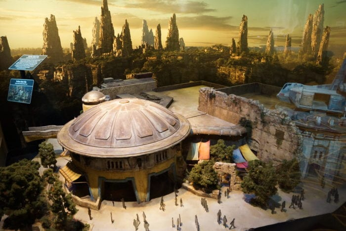New Star Wars Galaxy's Edge Model full