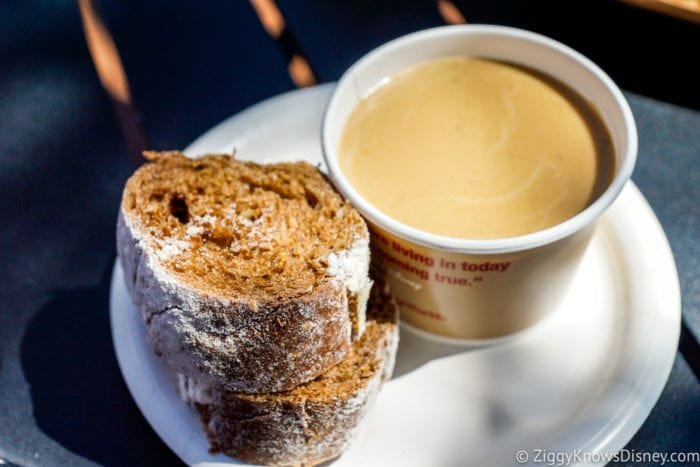 Ireland Review 2017 Epcot Food and Wine Festival Warm Irish Cheddar Cheese and Stout Dip