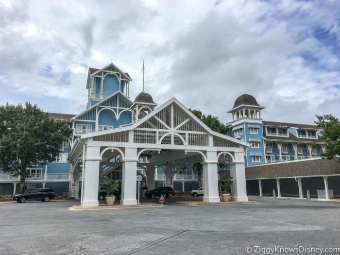 Hurricane Irma in Walt Disney World beach club front entrance