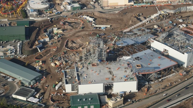 Galaxy's Edge construction update December 2017 millennium falcon