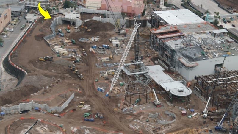 Galaxy's Edge construction update December 2017 tunnel inside