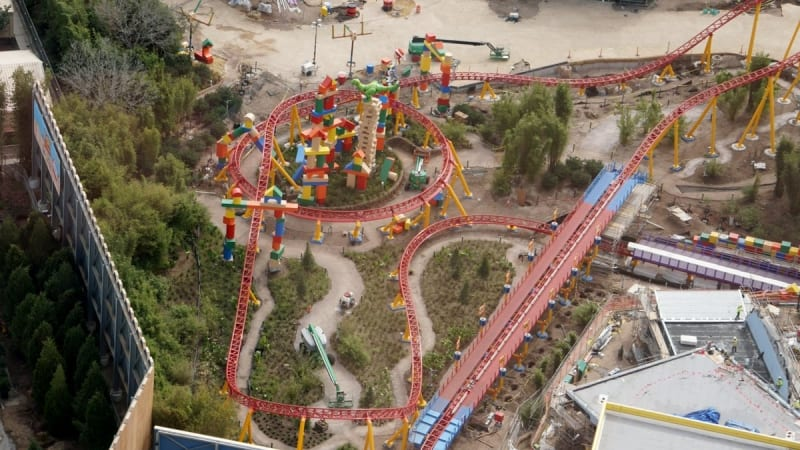 Toy Story Land Landscaping slinky dog dash coaster