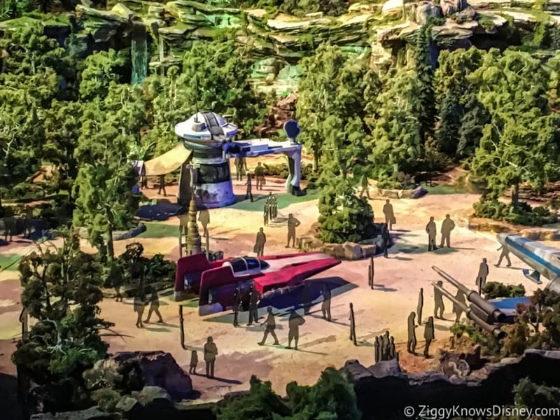Star Wars Galaxy's Edge Battle Escape Entrance turnstiles