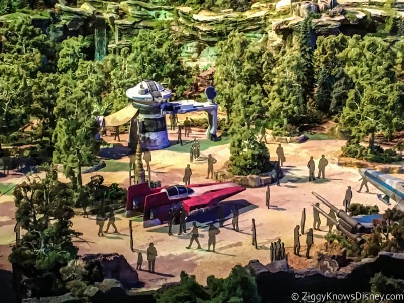Star Wars Galaxy's Edge Battle Escape Entrance turnstiles