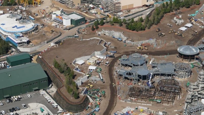 galaxy's edge updates entrance to Toy Story Land