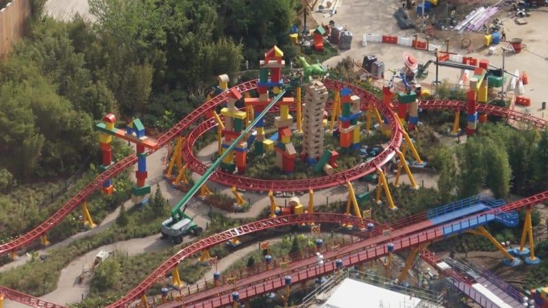 Slinky Dog Trains Toy Story Land rex