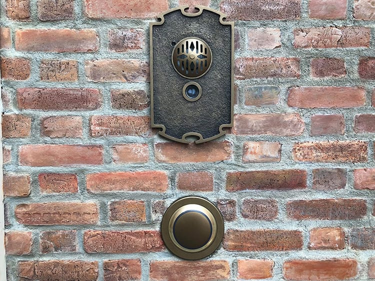 Club 33 Doorbells epcot