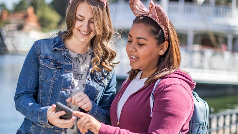 Mobile Ordering Now Available in Disneyland and California Adventure