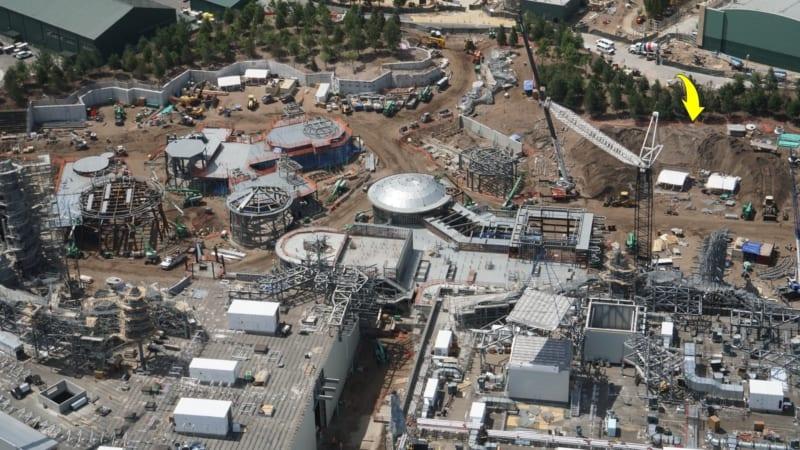 Star Wars Galaxy's Edge berm construction