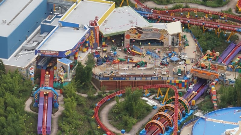 Slinky Dog Dash Testing 3 Trains in Latest Toy Story Land Update station