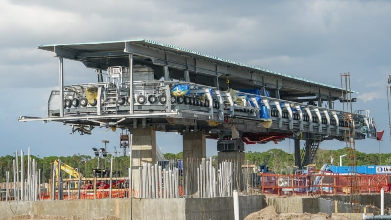 Roof Added to Disney Skyliner Station in Hollywood Studios and finished