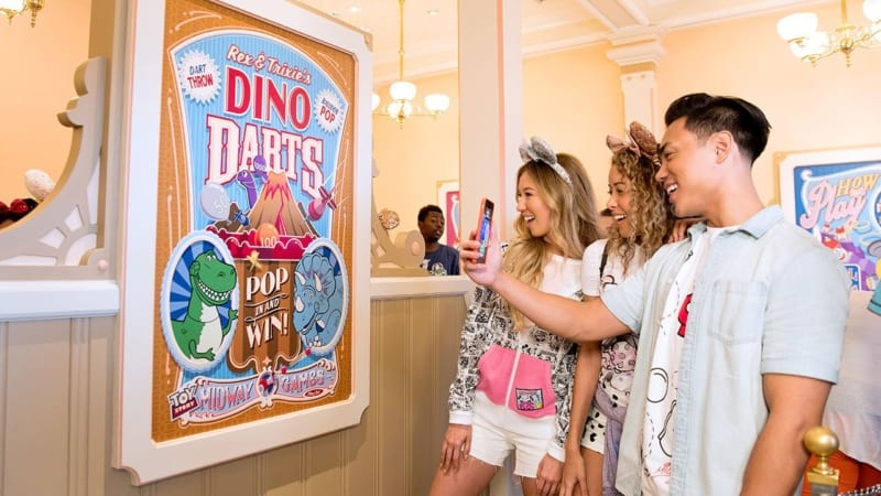 Play Disney Parks Mobile App Coming to Disneyland and Walt Disney World June 30th