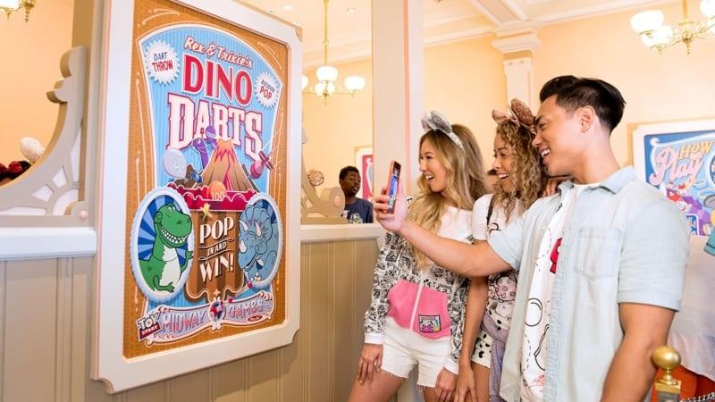 Play Disney Parks Mobile App Coming to Disneyland and Walt Disney World June 30th