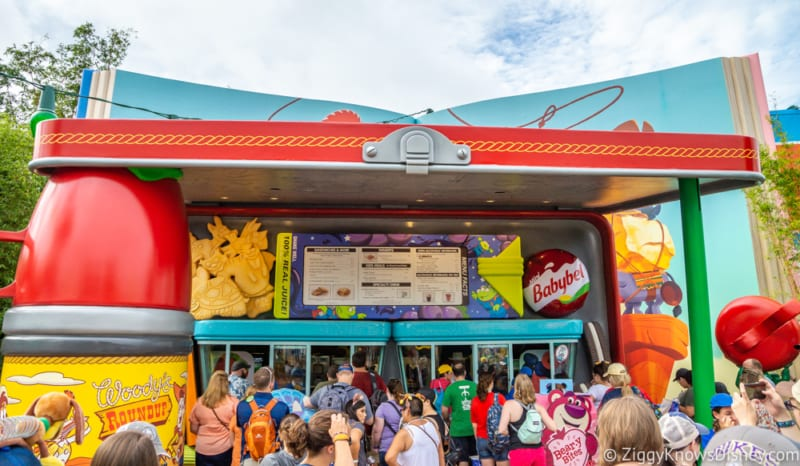 Woody's Lunch Box Review Toy Story Land