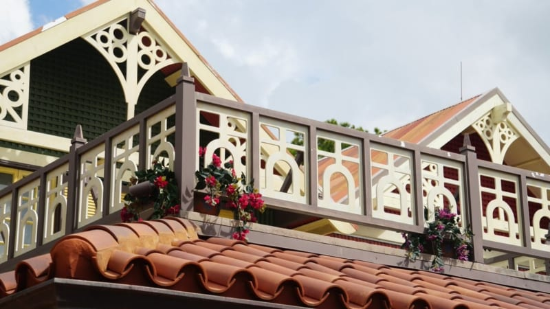 Magic Kingdom Club 33 in Adventureland has New Facade balcony