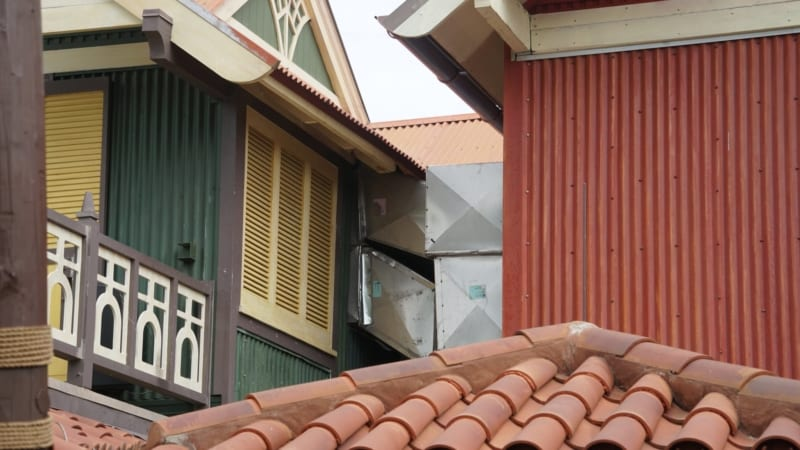 Magic Kingdom Club 33 in Adventureland has New Facade ducts