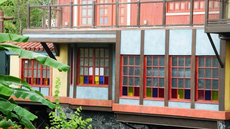 Magic Kingdom Club 33 in Adventureland has New Facade windows