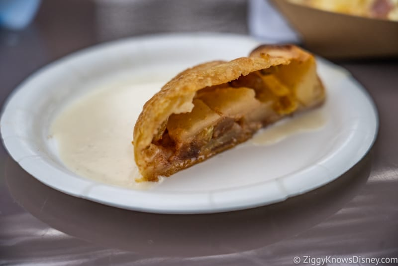 Germany Review 2018 Epcot Food and Wine Festival apple strudel